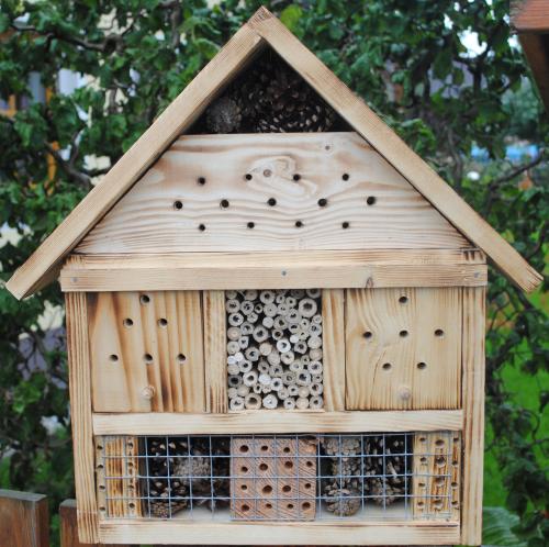insektenhotels n tzlingshotels gartenboxx shop. Black Bedroom Furniture Sets. Home Design Ideas